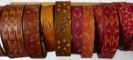 Fabrication d'un bracelet et une paire de boucles d'oreilles