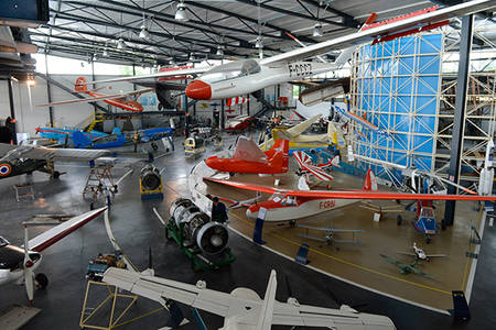 Visite libre des réserves de l'aéroport de Marcé
