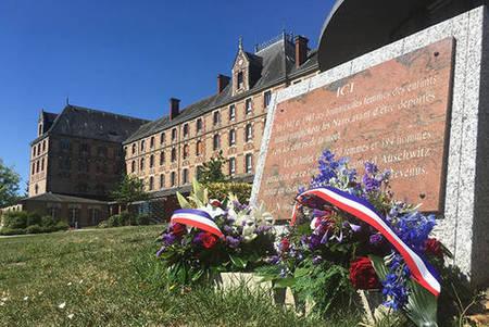 Hommage aux victimes des crimes racistes et antisémites