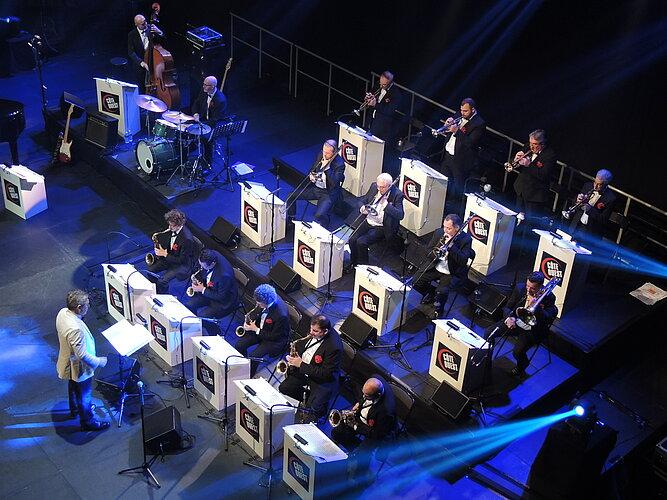 La nuit du jazz chante broadway - côte ouest big band