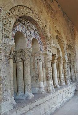 Visite guidée des vestiges archéologiques de l'ancienne abbaye Saint Aubin
