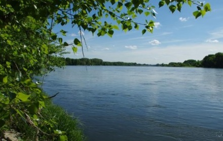 Le long d'un fleuve tranquille
